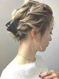 リボンでヘアアレンジ簡単やり方10選長さ別編み込みから文化祭ヘア