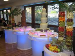 Love The Pineapple Cap As The Centerpiece Simple To Do But Flashy Fresh Fruit Tree Display