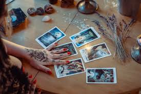 If you're just starting to learn how to read tarot cards, it might seem like there is so much to absorb! Learn How To Read Tarot Cards From The Best Books Out There