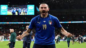 مدافع إيطاليا يتعرض لموقف غريب خلال مباراة أسبانيا – رادار نيوز