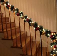 Luxurious Christmas Staircs Decorating Ideas With Luxury Ornaments ...