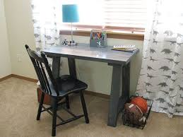 Diy small desk to inspire you how to make diy desk look artistic 2