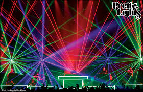 lightwave international tours with grammy nominated pretty lights providing aunce scanning laser special effects