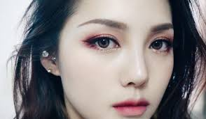 here s the next statement colour you should try on your eyes
