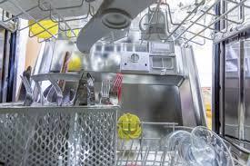 Sie können die reinigung selbst vornehmen und brauchen nicht in teure reinigungsmittel zu investieren. So Lassen Sie Das Wasser Im Geschirrspuler Manuell Ab Geschirrspueler Org