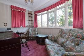 riefield road eltham heights se9 4 bed