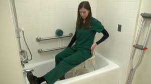 tub bathing after hip or knee surgery