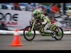 drag bike 201 meter duel satria fu pembalap pemula motor brain