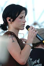 Dolores O'Riordan - Wikipedia