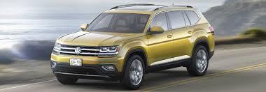 2018 volkswagen colors. brilliant 2018 kurkuma yellow metallic 2018 vw atlas driving on highway and volkswagen colors i