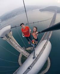 This Russian Girl Takes The Riskiest Selfies Ever Don t Try This.