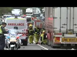 CH9: Trucks obliterated in fatal crash on Hume Highway. Последние ...