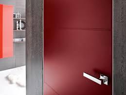 Pareti Bordeaux Immagini : Porta a filo muro in legno b line by bluinterni