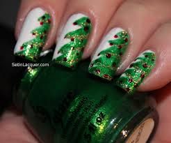 Classy and Simple Christmas Nail Art Designs for Stylish Girls ...