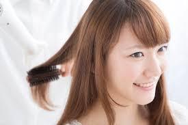 別府市でお洒落染めから白髪隠しまで安心料金でヘアカラーができる美容室です