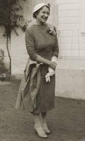 Mrs Elsie Gibbs (Mrs T N Gibbs) mother of Colin. First Plunket nurse in  Upper Hutt c1924/1927. [P1-69-860] | Upper Hutt City Library