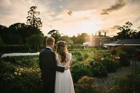 Create The Wedding Of Your Dreams With These Amazing Tips