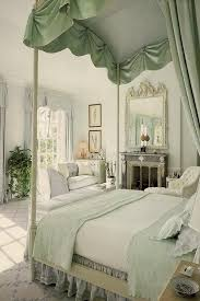 Green And Gold Bedroom Ideas 3