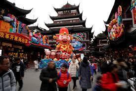 """صور.. الصين تسجل أكبر هجرة موسمية على الكوكب خلال أعياد رأس السنة الصينية..  3 مليارات رحلة خلال الاحتفالات.. وقصة الوحش """" نيان"""" وطبق """"جياوتسى"""" ومهرجان  إله الطبخ أبرز ما يميز الاحتفال - اليوم السابع"""