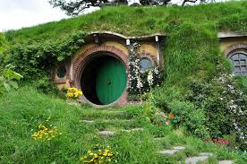 How To Build A Hobbit House Architecture Hobbit House Design With Round Door And Window