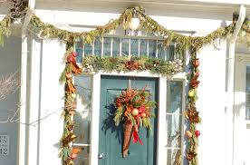 how to hang garland around front doorHow to Hang Garland Around a Door and Avoid Damage