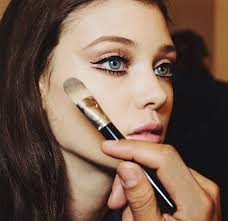 the 7 foundations every makeup artist loves