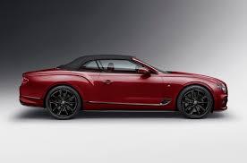 В РФ появился редкий Bentley Continental <b>GT</b> с золотой <b>эмблемой</b>