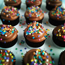 Chocolate Birthday Cupcakes With Nutella Cloud Frosting Sweetapolita