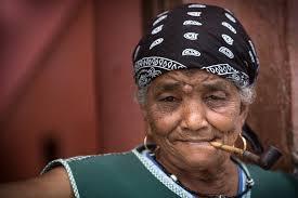 Bilderesultat for dame med pipe