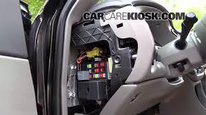 interior fuse box location 2000 2005 chevrolet impala 2004 2004 chevy impala radio fuse at 2004 Impala Fuse Box