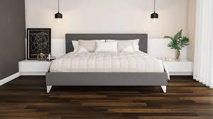 Evite o piso preto, pois é escuro demais para uma sala que precisa dar a ilusão de mais espaço; Piso Escuro Use Com Leveza Para Construir Ambientes Blog Pointer Revestimentos Ceramicos