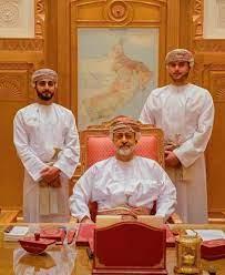السلطان هيثم بن طارق وابنائه ذي اليزن و بالعرب. (حفظهم الله)