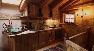 Case Di Montagna Interno : Cucine per case di montagna avienix for