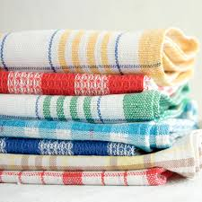 11 surprising things you can do with a kitchen towel