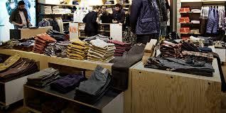 Афиша Город: <b>Dockers</b>: <b>брюки</b> песочного цвета как базовая ...