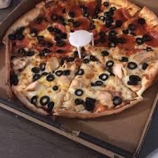 photo of round table pizza saratoga ca united states