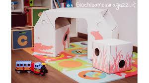Tavolo per bambini in cartone da kidsonroof