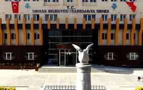 Şırnak Belediyesi yeni binasına Kürtçe tabela astı