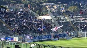 Calcio Como 1907 ULTRAS (PYRO & SUPPORR) - YouTube