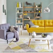 Lovely Touche Couleur Dans Le Salon Avec Ce Canapé Vintage Jaune Moutarde