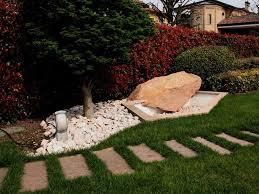 Cascate Da Giardino In Pietra Prezzi : Pietre da giardino prezzo ciottoli per giardini lavorazioni