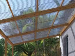 Confira abaixo as vantagens e desvantagens das coberturas de vidro e policarbonato e escolha a mais adequada com o seu projeto. Telhas Transparentes Como Funcionam E Quais As Vantagens