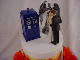 Dr Who Wedding Cake Toppers Whovian Tardis Police Call Box Sonic  Screwdriver Weeping Angel Mr Groom Mrs Bride Dr Who TV Show Fun Gift -TH43  #2451584