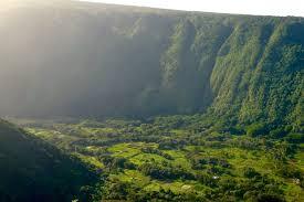 Waipi'o Valley (Big Island, Hawaii): How to Visit + Things to See and Do