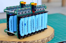 picture of diy 18650 lithium ion cells charging grid