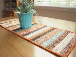 30+ Free Table Runner Quilt Patterns and Table Topper Designs ... & ... Table Runner Quilt Patterns How to work with Quilt Patterns Diary of a  Quilter a quilt blog | Free Easy ... Adamdwight.com