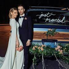 In an intimate video with vogue, the younger and though the dress may appear understated at first glance, duff's gown was filled with personal details that made it the statement dress that she wanted. Hilary Duff Wedding Dress Pics Hilary Duff Matthew Koma Wedding Pics
