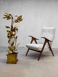 absoluut one of a kind deze bijzondere gouden bloemlamp in hollywood regency stijl dubai stijl dit prachtige exemplaar wordt toegeschreven aan hans
