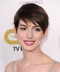 anne hathaway s haircut in les miserables hacked off for  anne hathaway s hair was hacked in les mis actress reveals