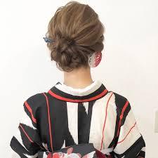 浴衣に合うヘアアレンジ22選ミディアムヘアのセルフで簡単まとめ髪は